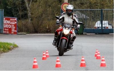 Techniky bezpečné jízdy